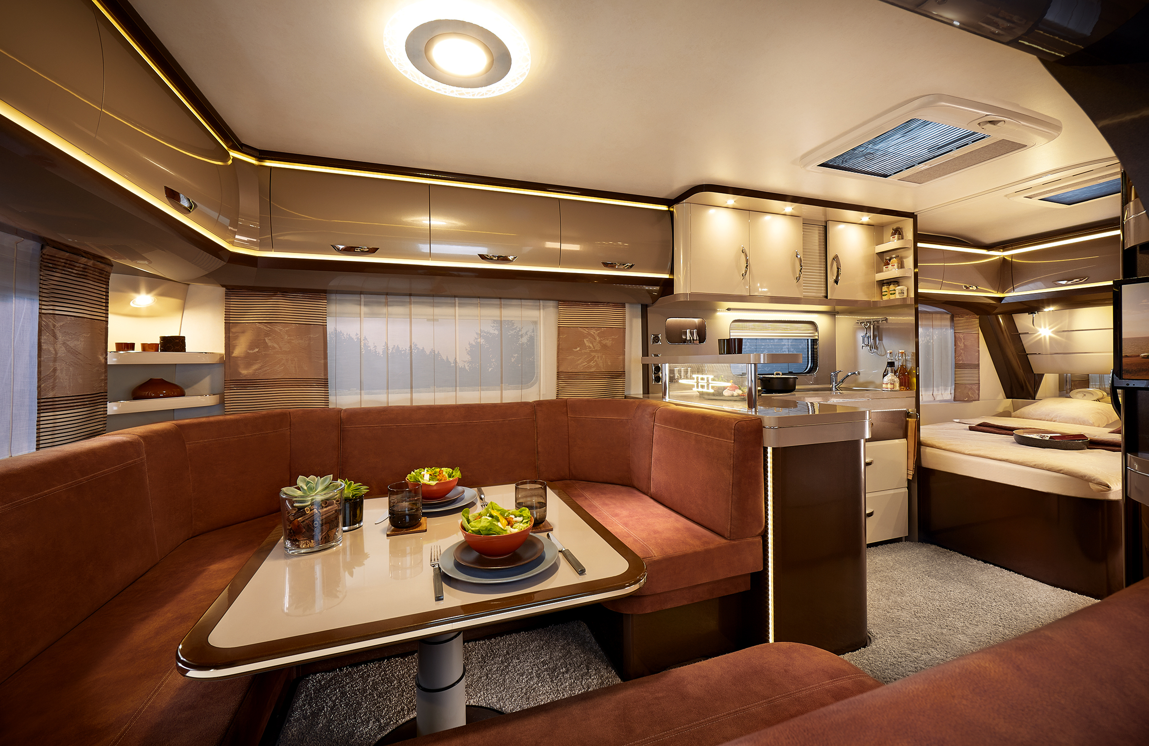 pressemitteilung hobby caravan. Black Bedroom Furniture Sets. Home Design Ideas
